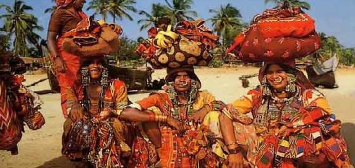 media_gallery-2015-10-6-10-tribes_of_india_37cef077a5f09556c2cb90b1301cc4e0